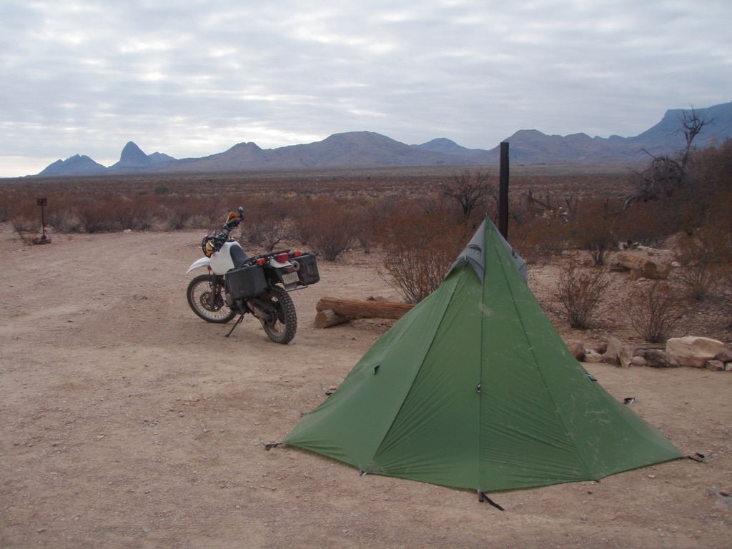 picture of desert camping