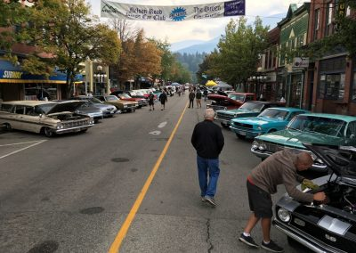 picture of car show