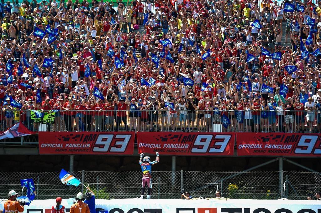 picture of Marquez fans