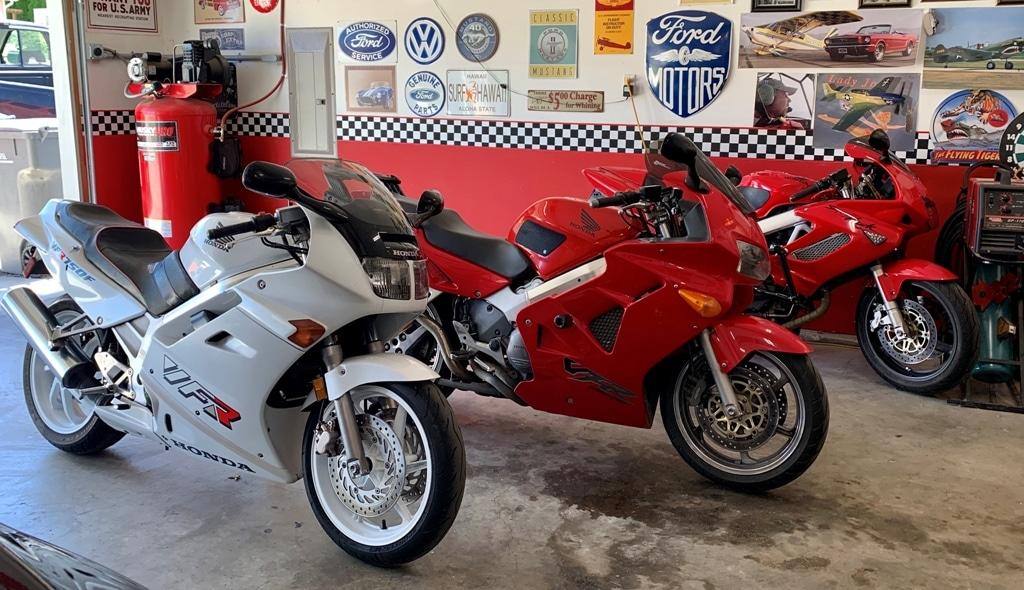 picture of three bike garage