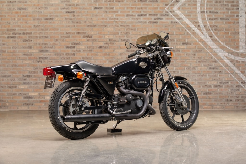 picture of harley-xlcr1000-black-3-scaled