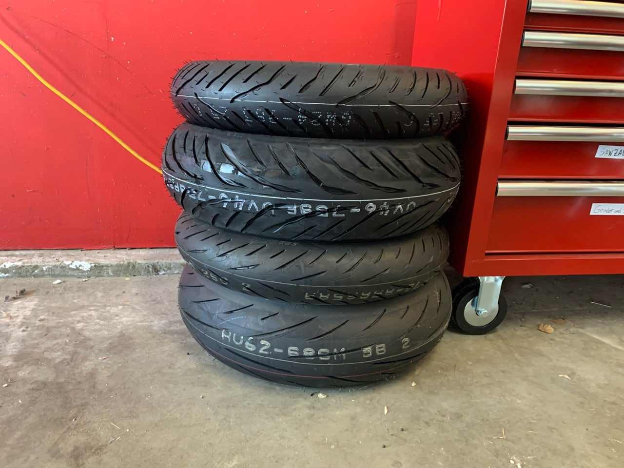 picture of motorcycle tires
