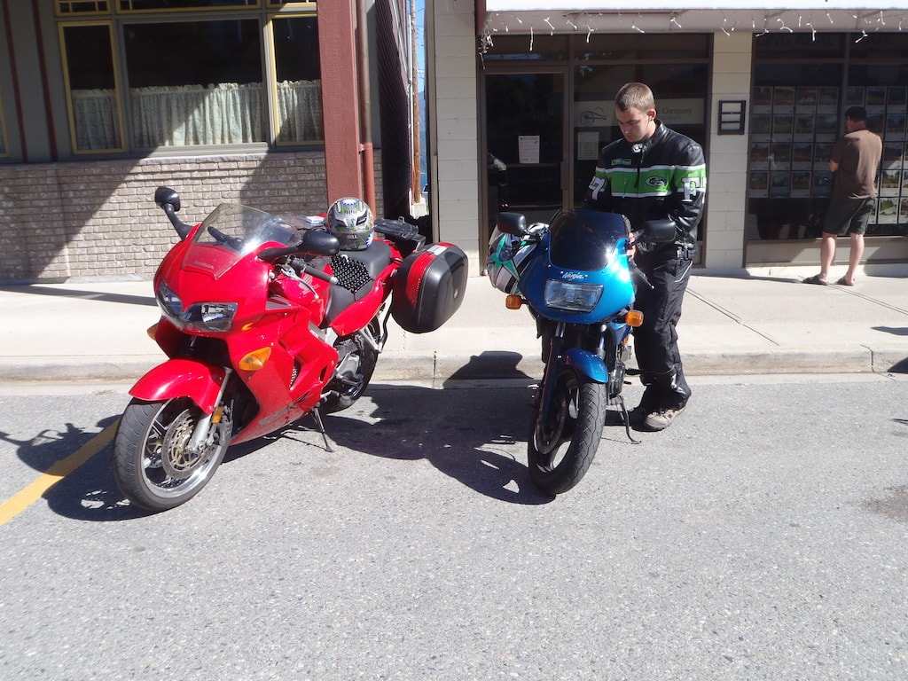 picture of VFR 800 and Ninja 500